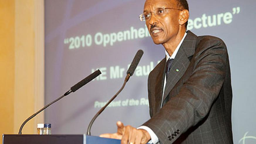 President Kagame giving  his lecture at the IISS yesterday (Photo Urugwiro Village)