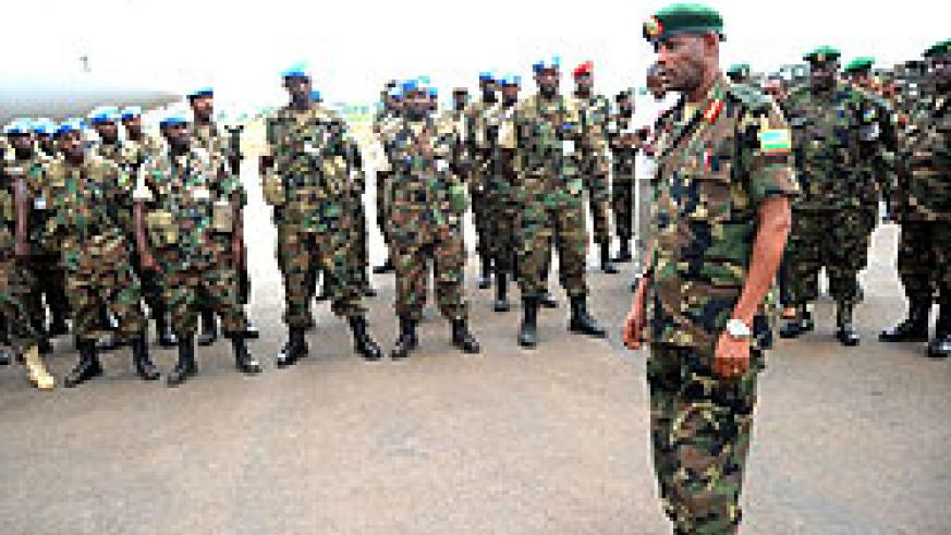 Brig. Gen. Murokore addressing the soldiers who had just arrived from Darfur yesterday (Photo; J. Mbanda)