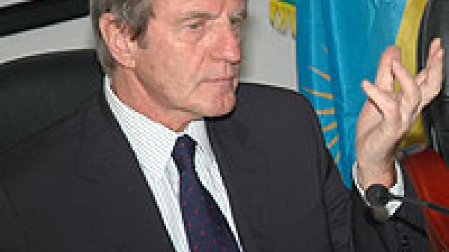 TO HELP; Bernard Kouchner (File photo)