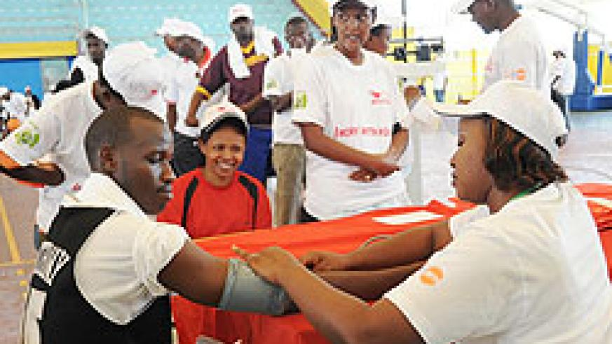 A large of number people turned up to take advantage of the free Heart check-up at Amahoro National Indoor stadium, yesterday (Photo: J. Mbanda)