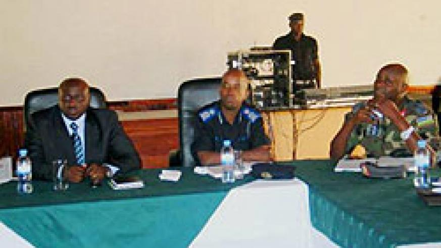 L-R: CGP Emmanuel Gasana, his deputy Stanley Nsabimana and Brig Gen. Jacques Musemakweli during the meeting (Courtesy photo)