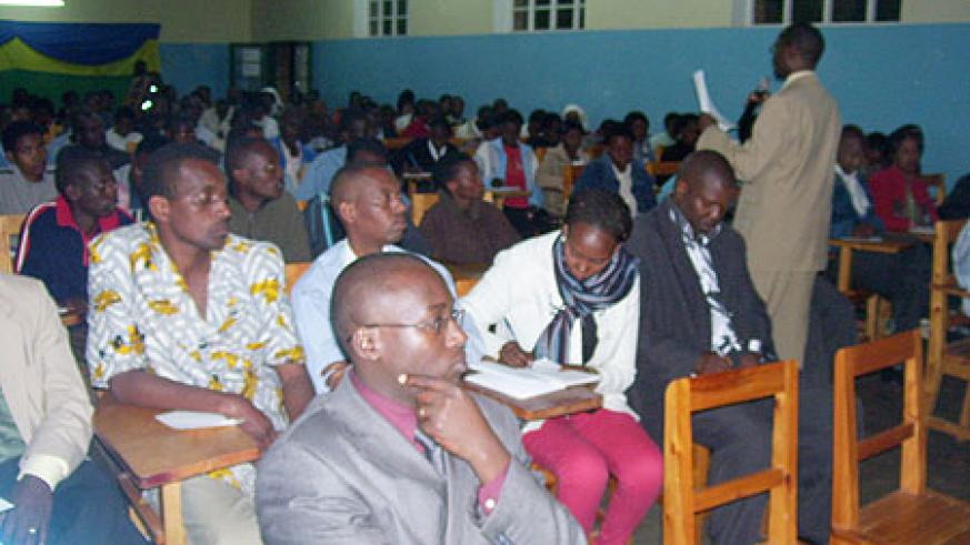 Minister Harebamungu adressing students at Byumba Polytechnic on Thursday. (Photo: A. Gahene)