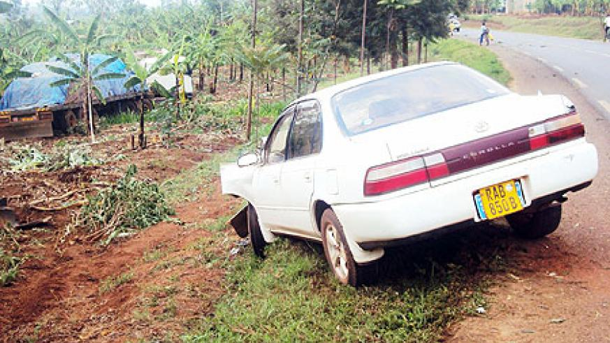 The two vehicles that were involved in a night accident along Kigali-Kayonza  road . (Photo / S. Rwembeho)
