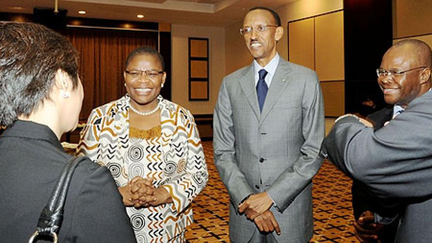 President Kagame sharing a light moment with some of the delegates yesterday (Photo Urugwiro Village)