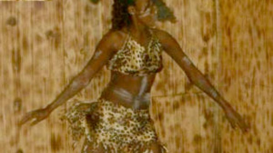 A queen dancer on stage.