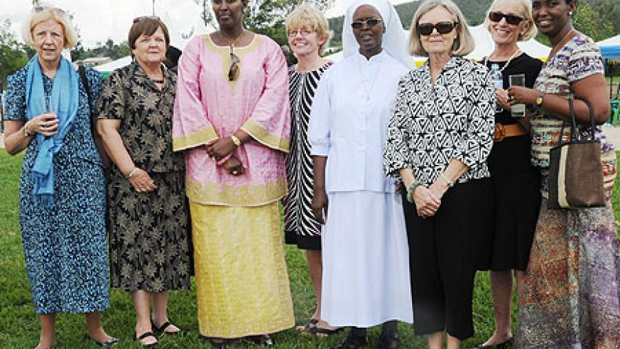The First Lady with members of Maranyundo Initative, Sister Thierry Dominique, and Sen Inyumba (photo J.Mbanda)