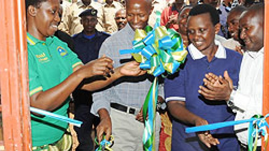 (L-R) City Mayor Aisa Kirabo, Internal Security Minister Fazil Harerimana and Prisons boss Mary Gahonzire inaugurating classrooms constructed by prisoners during the Prisons Week yesterday (Photo J Mbanda)