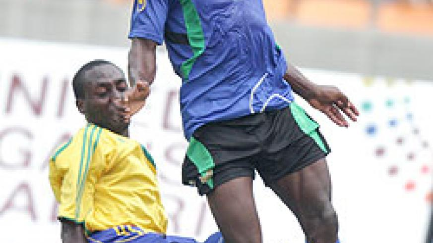 Tanzania's Stefano Mwasika in action against Amavubi. The defender was kept busy yesterday. (File Photo)