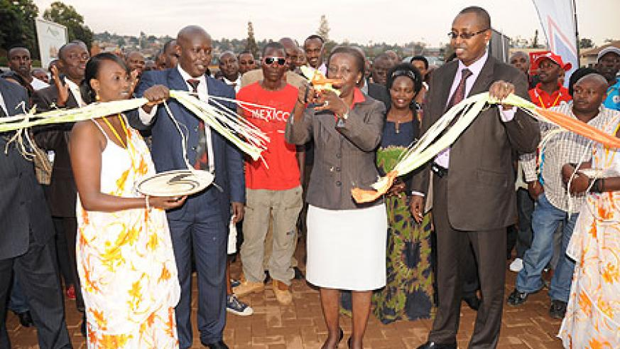 Foreign Minister Louise Mushikiwabo opening the Bye Bye Nyakatsi expo organised by Diaspora Group. They have pledged to be ambassadors in their respective countries (File Photo)