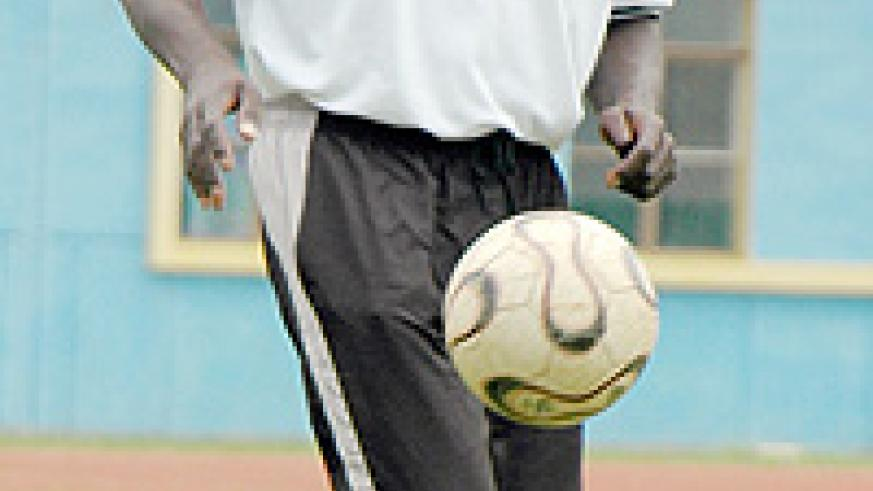 Andy Mfutila jaggles the ball during his days with APR. (File Photo)
