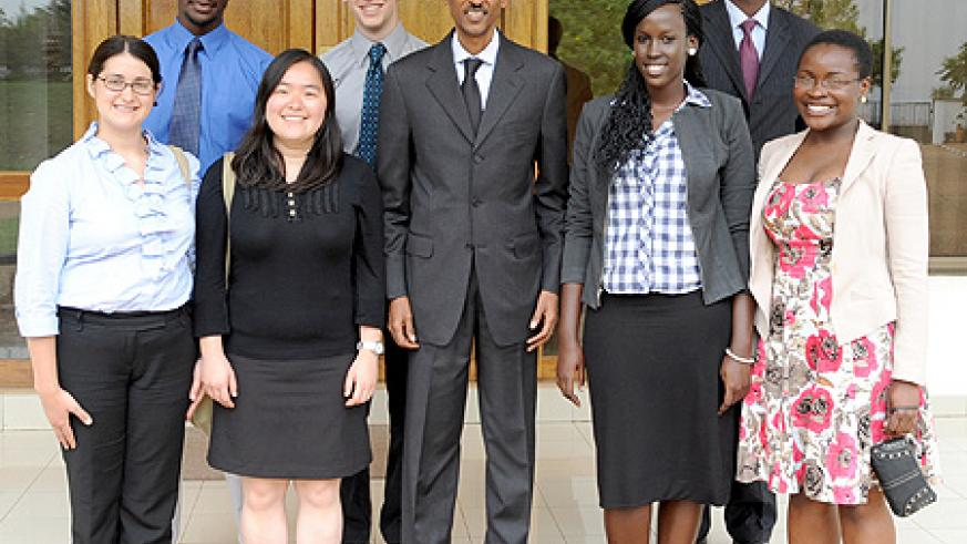 President Kagame with the MIT students after their meeting at Village Urugwiro, yesterday. (Photo Village Urugwiro)
