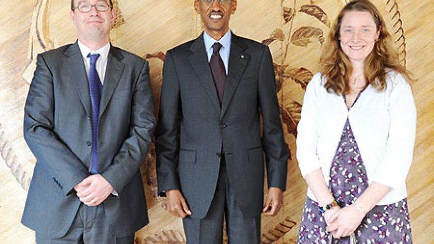 President Kagame with the new High Commissioner of the United Kingdom, Mr. Benedict Llewellyn-Jones OBE and Mrs. Laura Llewellyn-Jones after presenting his credentials at Village Urugwiro, yesterday. (Photo/Village Urugwiro)
