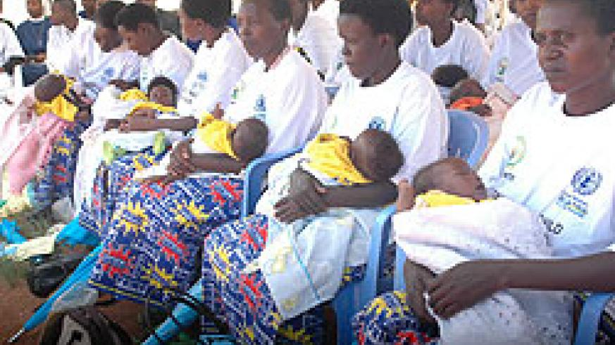 Mothers bring their children for immunisation during a national campaign. Experts have commended Rwanda on child health (File Photo)