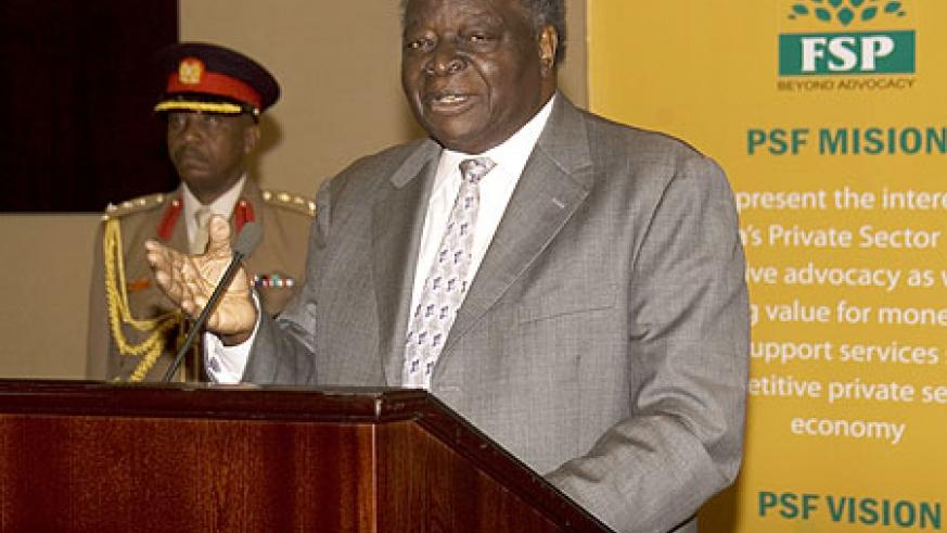 President Mwai Kibaki adressing a gathering during his last visit to Rwanda.  (File Photo)