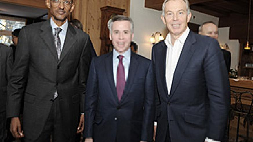President Kagame with the Vice Chairman of Barclays capital, Marc Holtzman and former British Prime Minister, Tony Blair (R) yesterday. (Photo Village Urugwi
