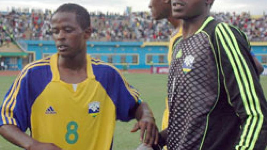 Amavubi captain Haruna Niyonzima (L) has had a poor tournament by his standards. (File Photo)
