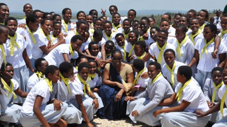 First Lady, Jeannette Kagame, together with some of the Gashora Girls (Photo Imbuto Foundation)