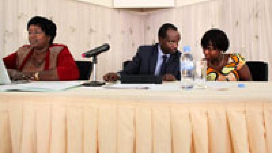 (L-R) Dr. Agnes Binagwaho PS MINISANTE, Minister Richard Sezibera, and Dr Angelique Gashugi the head of clinical services during the meeting yesterday (Photo T.Kisambira)