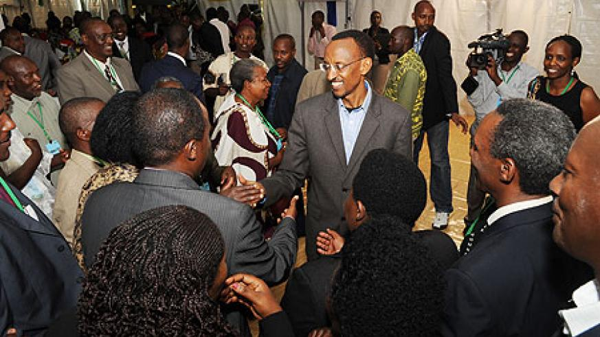 President Kagame thanking supporters of Girinka. (Photo Urugwiro Village)