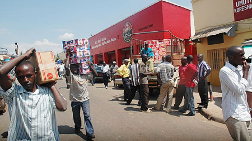 Business on Matheus street. The City Council has reported delays in tax remittances (File photo)