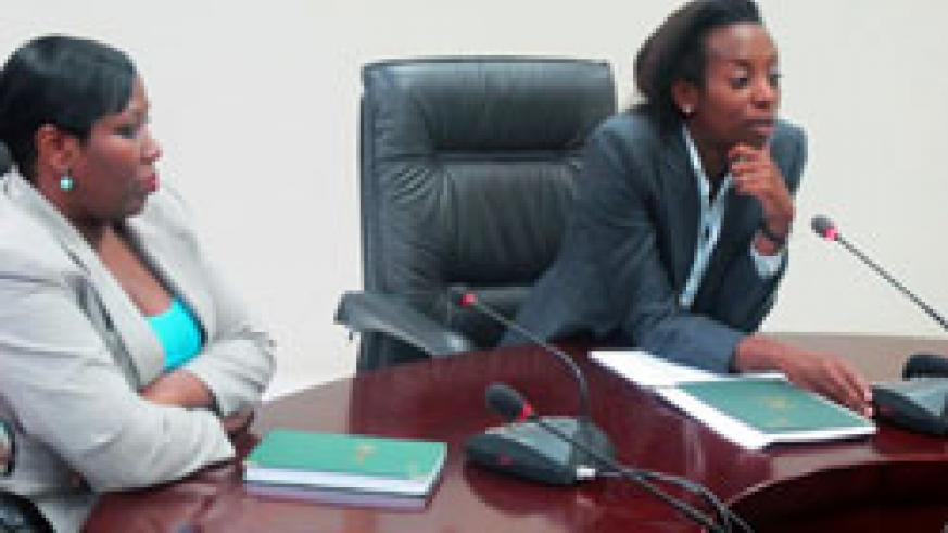 Odette Mbabazi the deputy DG of NISR together with Diane Karusisi the Acting Director General during the press conference (Photo T.Kisambira)