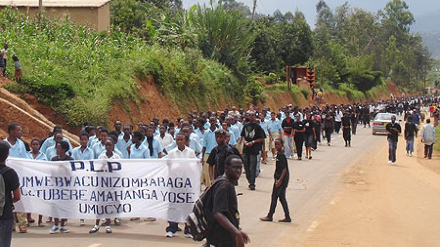 Youth in a Walk to Remember last year in commemoration of the 1994 Genocide. Regional youth will participate in the 17th commemoration(File Photo)