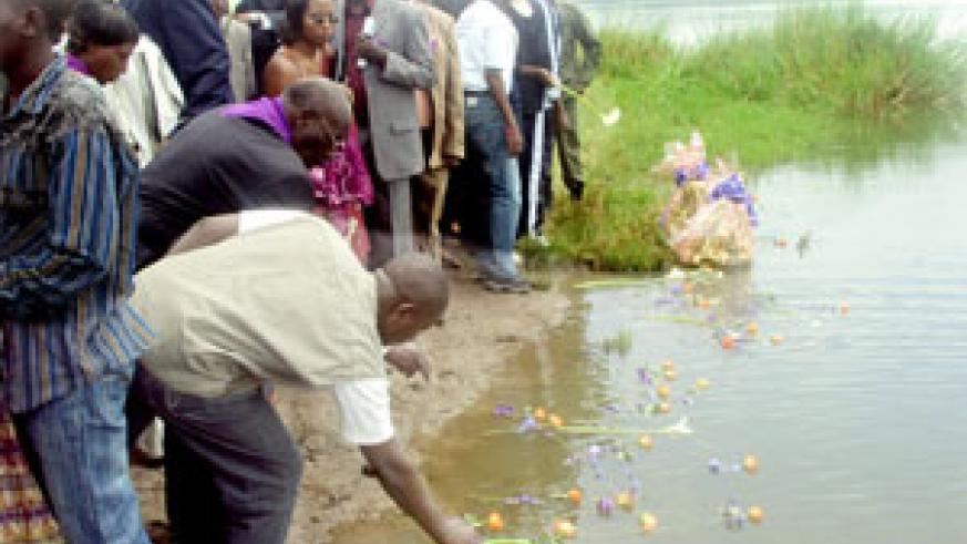 Rwandans in Eastern Province remembering their loved ones who died in the Genocide (File Photo)