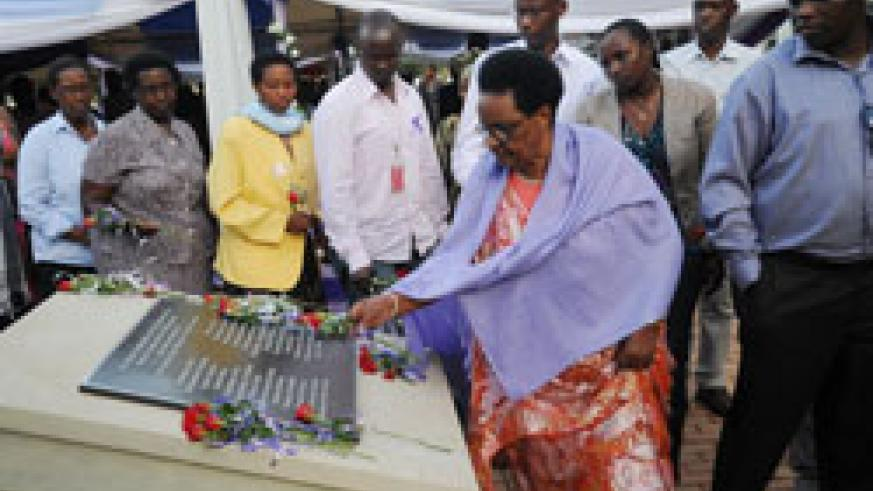 Relatives of former US embassy employees during the remembrance (Photo; J. Mbanda).