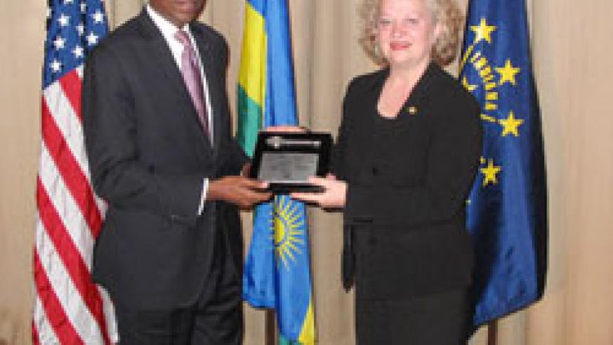 Ambassador James Kimonyo (L)  and Jane Gehlhausen, Director of International and Cultural Affairs Office of Mayor Gregory A. Ballard, City of Indianapolis (Coutsey Photo).