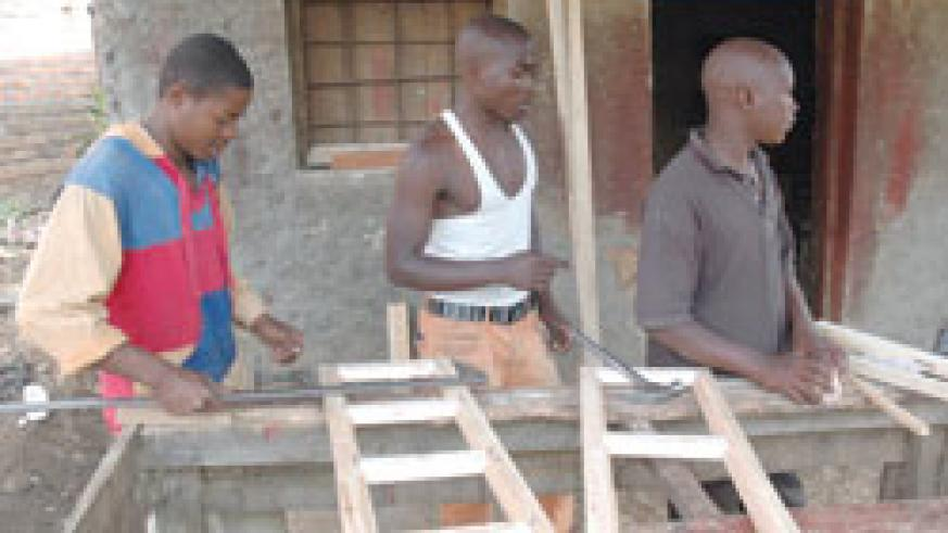 Carpenters decree high energy costs (Photo / J. Mbanda)