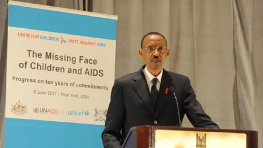 President Kagame addresses the Unicef meeting on Children and AIDS. (Photo Village urugwiro)