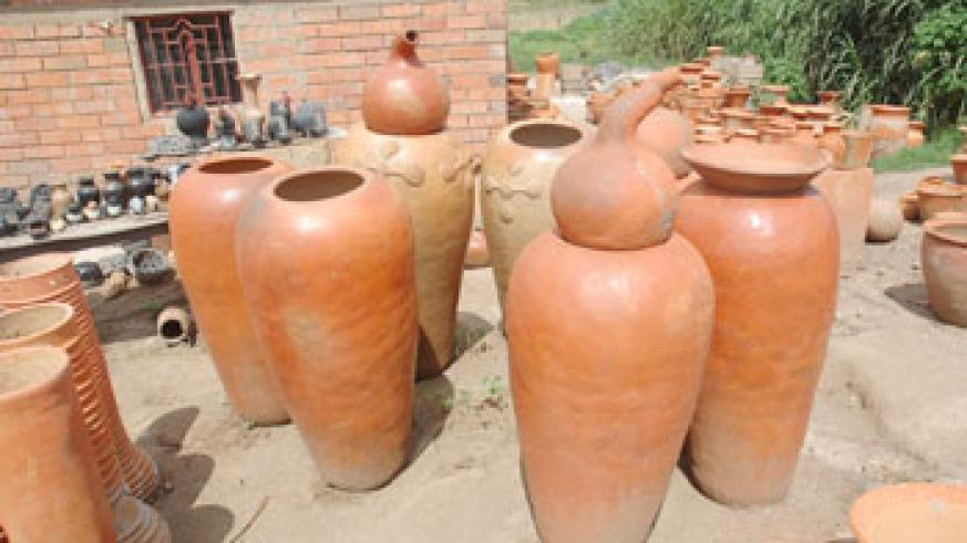 Government's move to promote pottery will bring more income to potters (File Photo)