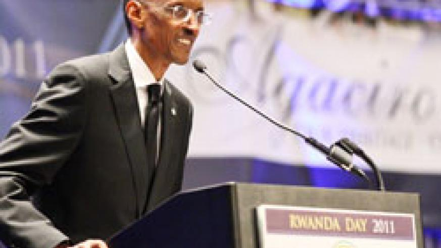 President Paul Kagame addresses the recent Rwanda Day forum in Chicago (Photo Village Urugwiro)