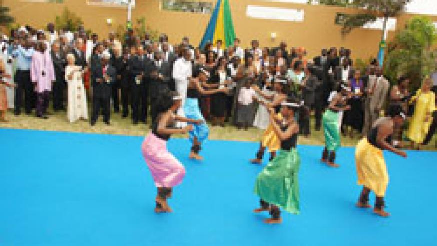 The guests were treated to Rwandan cultural dance. (Courtesy photo)