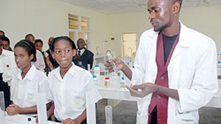 Girls in a science laboratory. Girls are said to have phobia for sciences. The New Times /File Photo.