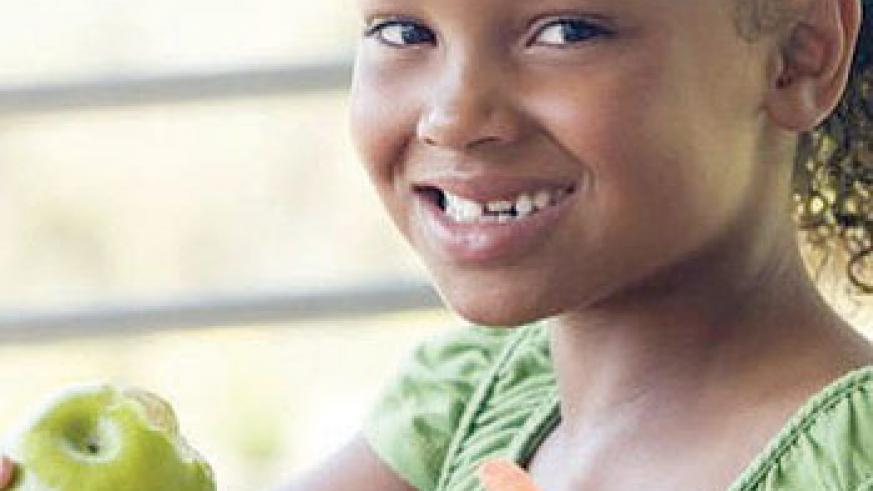 Healthy children eat fruits and vegetables. Net photo