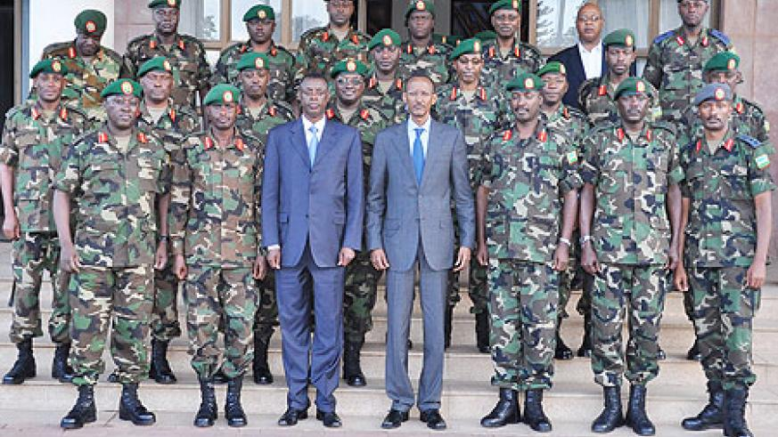 President Kagame and Minister of Defense, James Kabarebe with senior officers of the Rwanda Defense Forces after the meeting. The New Times  Courtesy.