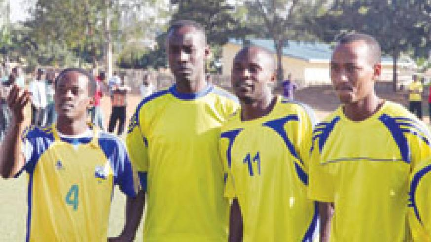 Amavubi players relaxing after a training session. The New Times / File Photo