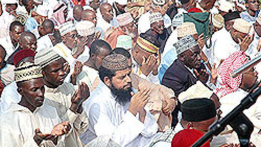 Muslims pray on Eid il Fitir. More than 100 believers have departed for the Holy Trip to Mecca. The New Times / File.