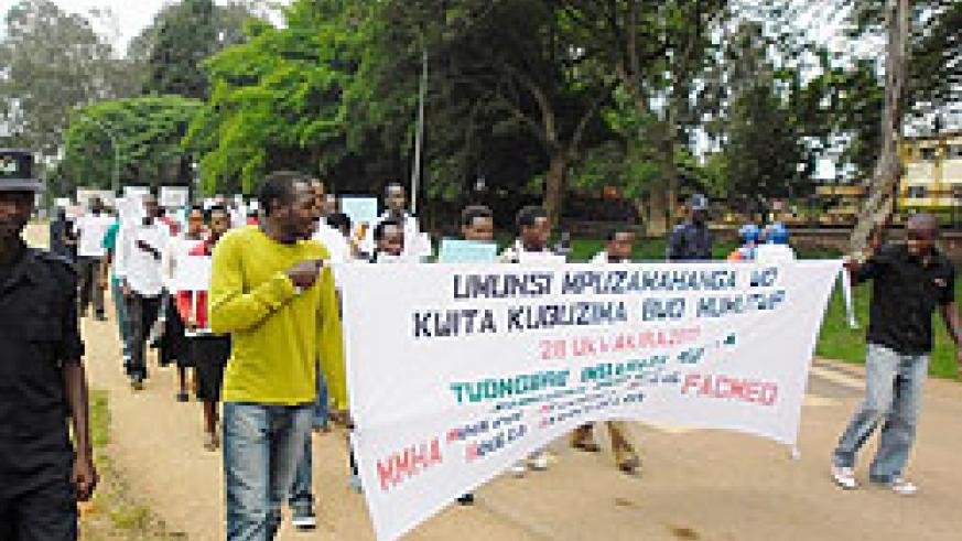 NUR students march through Huye town calling on the public to help mentally ill people. The New Times / JP Bucyensenge.