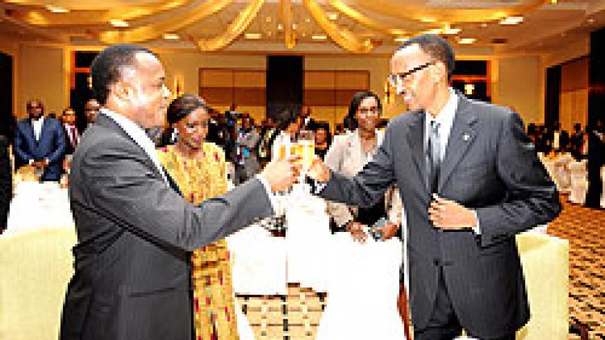 President Kagame and N'Guesso toast during the State Banquet hosted in honour of the visiting Head of State. The New Times Village / Urugwiro