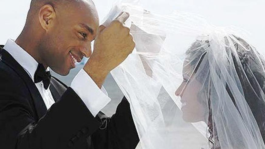 After marriage, couples can fully explore their love life. Net photo.