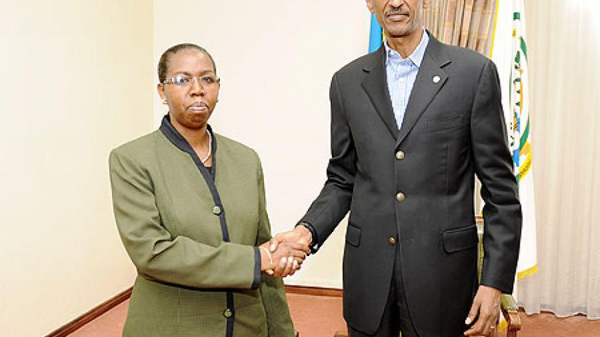 President Kagame with the outgoing Chief Justice, Aloysea Cyanzaire at Village urugwiro, yesterday. The New Times / Village Urugwiro.