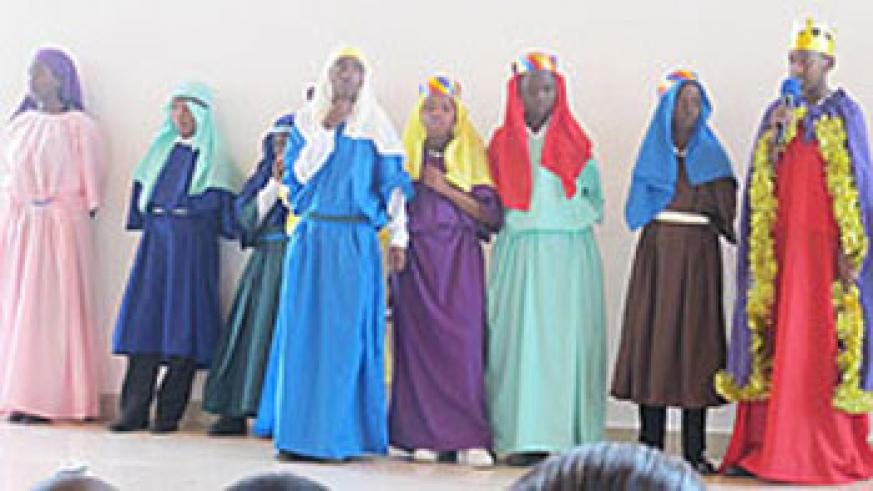 The wisemen and Sheperds scene was played by the youth.