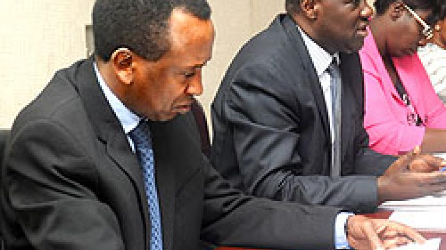 L-R: Ignatius Kabagambe, Director General in the Prime Minister's Office, MP Alfred  Rwasa and MP Yvonne Uwayisenga during the tabling of proposals on the Access to Information Bill before the  PSC committee. The New Times / John Mbanda