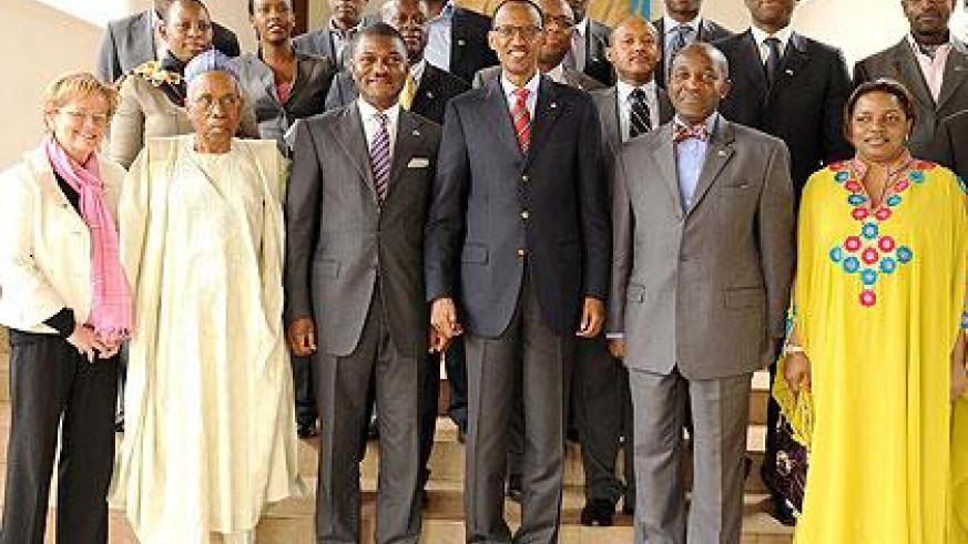 President Kagame with the group of Nigerian investors after their meeting yesterday. The Sunday Times / Village Urugwiro