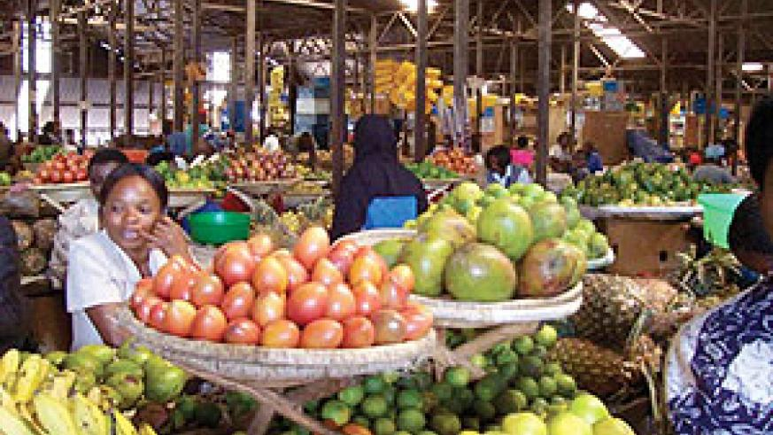 Traders at Kimironko Market: Rising cost of food and non-alcoholic beverages has led to an increase in the country's  consumer price index. The New Times / File.