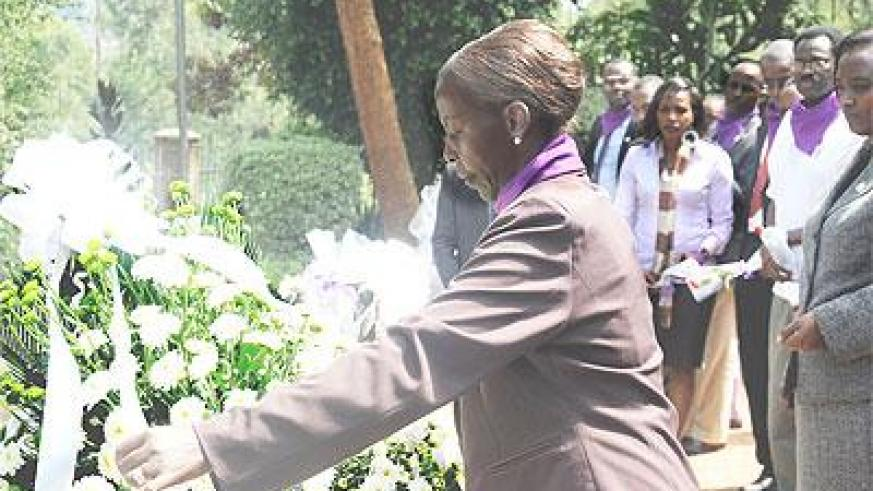 Foreign Affairs Minister Louise Mushikiwabo led the Ministry staff to pay tribute to Genocide victims at Kigali Genocide memorial centre on Thursday.  The Sunday Times/John Mbanda