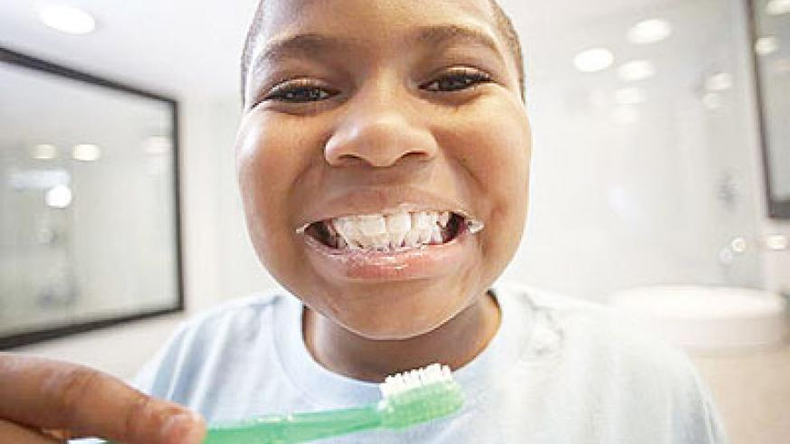 Brushing teeth after meals prevents decay. Net photo.