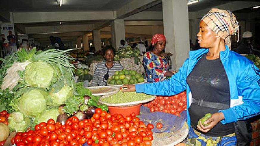 City market traders complain of illegal hawkers | The New Times | Rwanda